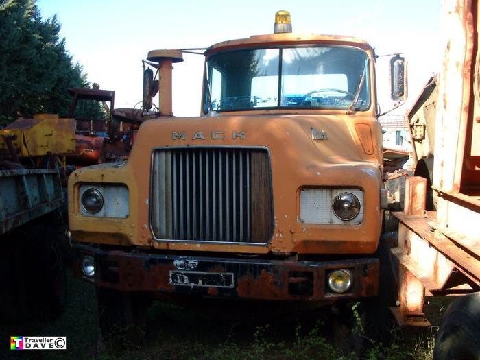 mack,dm609 stx